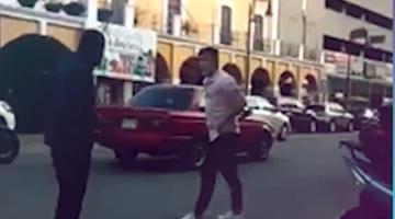 Protagonizan dos personas pelea en Centro Histórico de Villahermosa