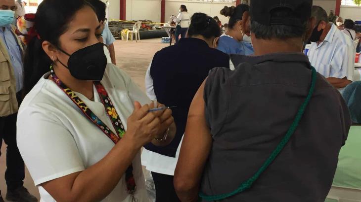 Se reanuda hoy jueves vacunación de adultos mayores en 4 comunidades de Cárdenas e inicia en Huimanguillo