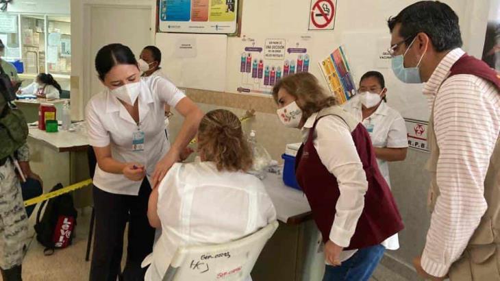 Caen más del 50% contagios en personal médico de hospitales COVID en Tabasco