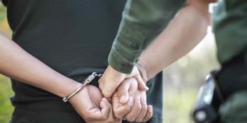 Detienen a migrante mexicano que huía tras ser condenado a más de 4 años de prisión por agresión sexual